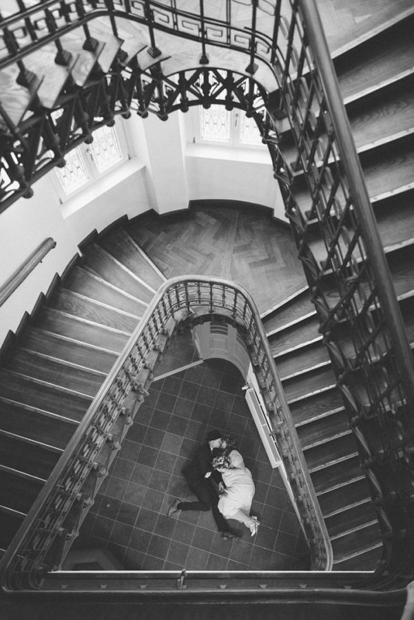 Standesamt Rostock Hochzeit Standesamt Paar Treppe Perspektive