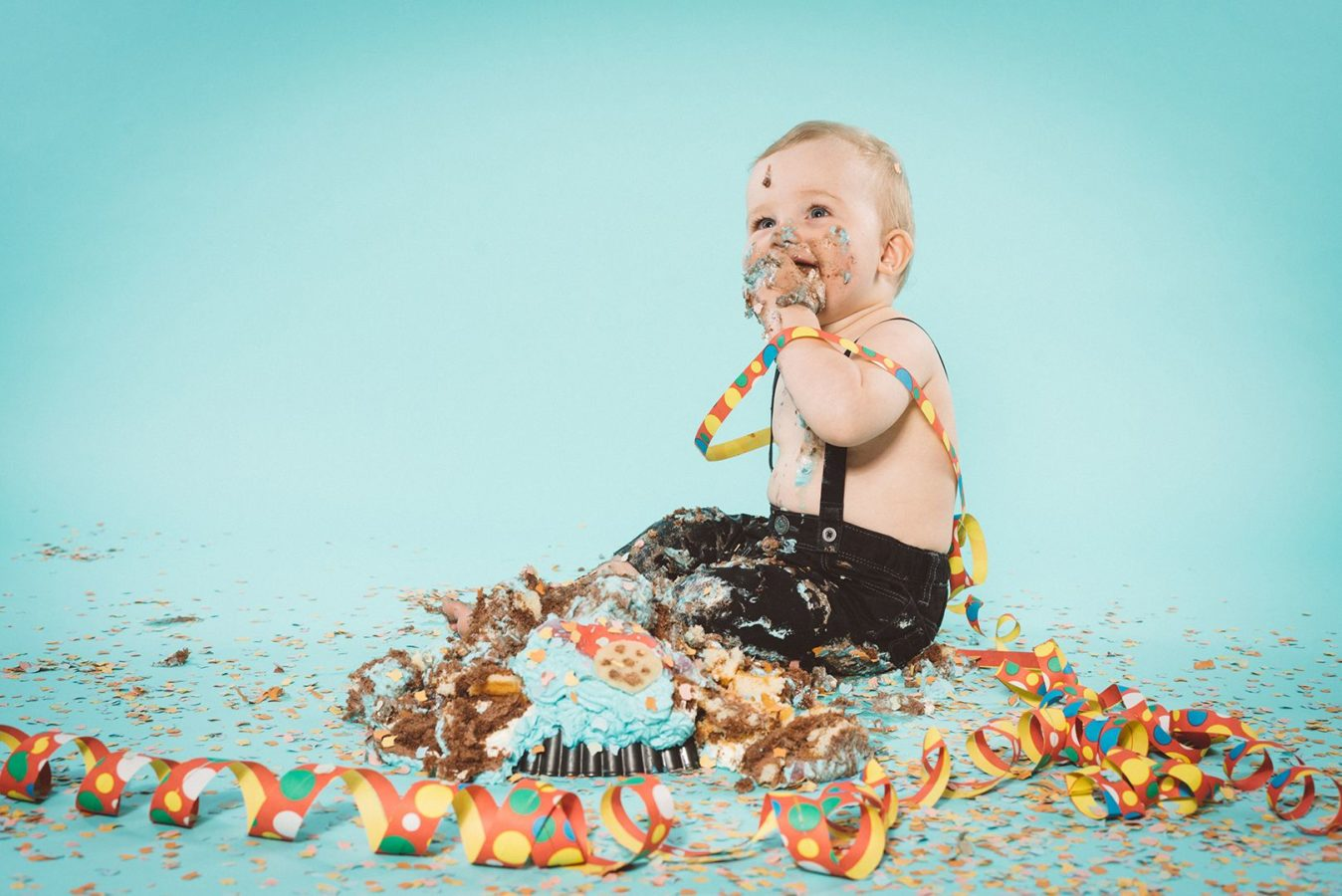 Smash Cake Kinderfotografie Studio Rostock Kind Lachen